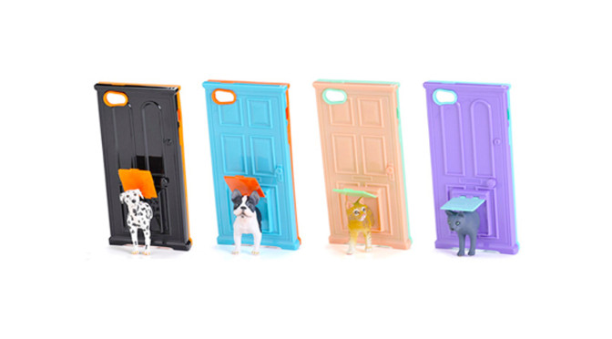 小窓から動物がのぞく姿かかわいい!動物フィギュア付きiPhoneケース